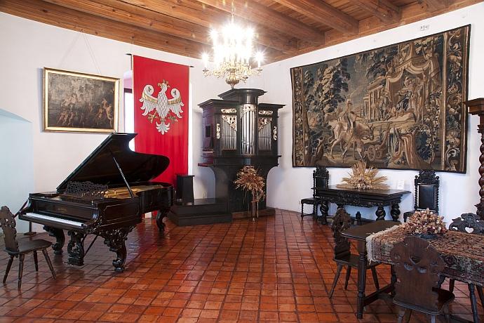 Zamek w Dębnie – ekspozycja stała