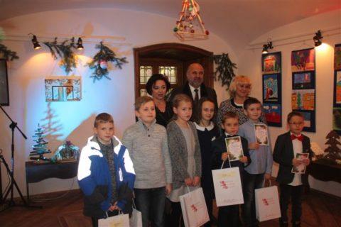 Otwarcie wystawy pokonkursowej iwręczenie nagród laureatom Międzypowiatowego Konkursu: Świąteczny czas – tradycje Bożonarodzeniowe oczami dzieci
