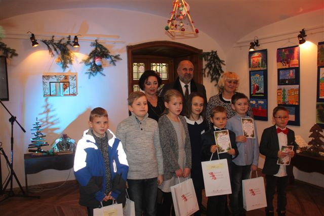 Otwarcie wystawy pokonkursowej i wręczenie nagród laureatom Międzypowiatowego Konkursu: Świąteczny czas – tradycje Bożonarodzeniowe oczami dzieci