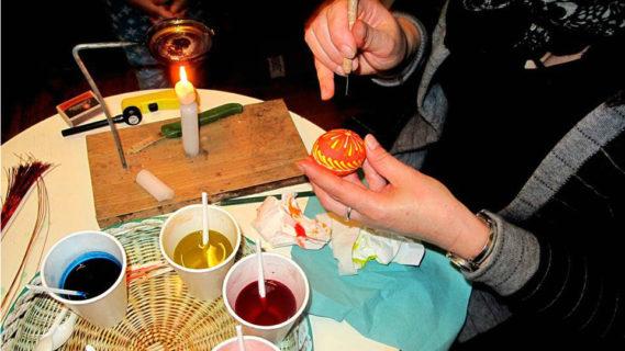 Wielkanocne zajęcia edukacyjno-plastyczne wMuzeum Etnograficznym