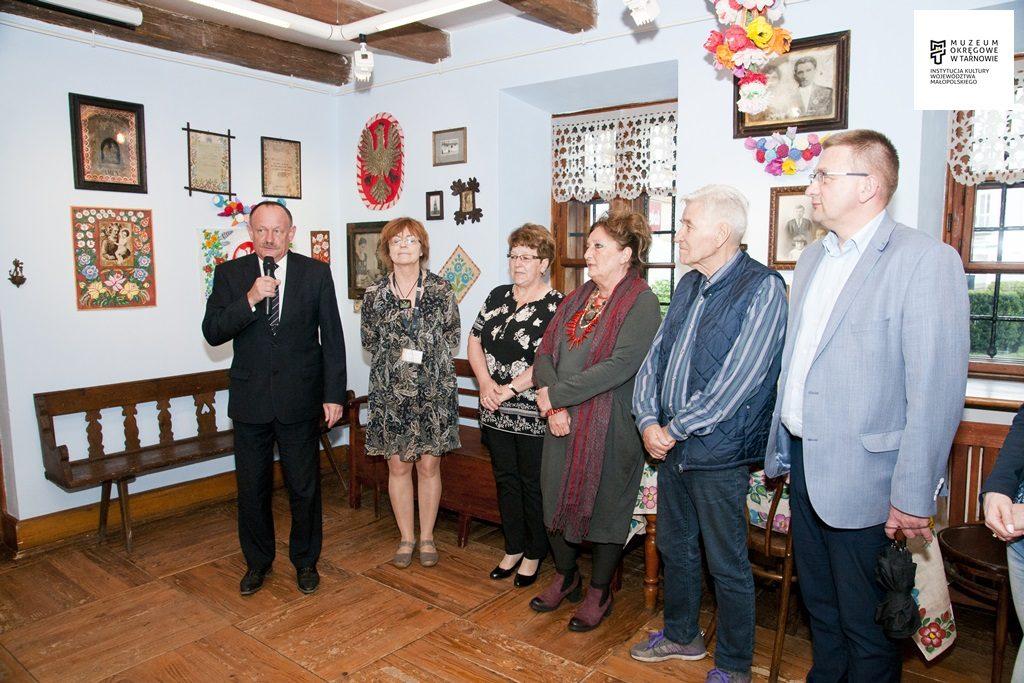 """Zalipie w Tarnowie – otwarcie wystawy """"W malowanej chacie Felicji Curyłowej"""" [FOTO]"""