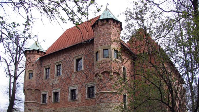 Zamek w Dębnie nieczynny 20.10.