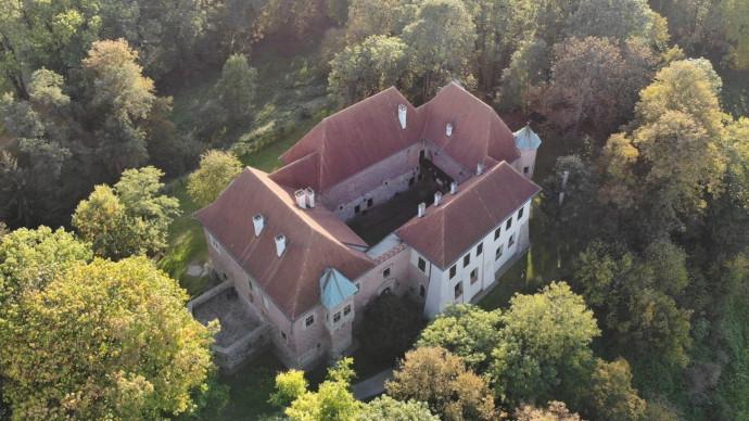 Krótsze godziny pracy Muzeum Zamek w Dębnie w dniu 25.07