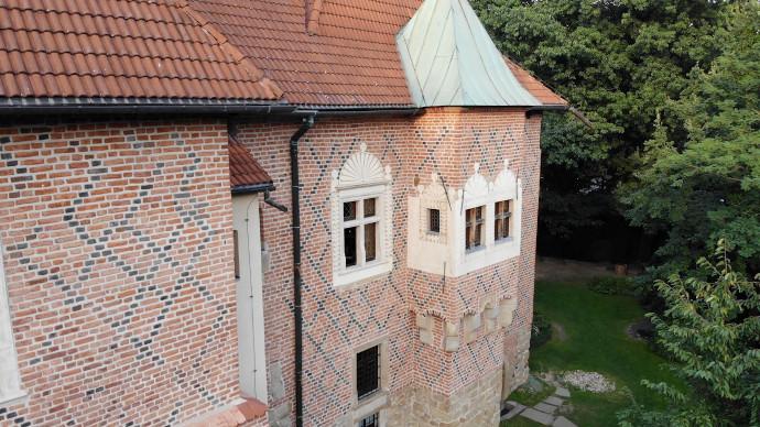 Dębno, zamek (XV w.) – Oddział Muzeum Okręgowego wTarnowie: montaż instalacji antywłamaniowej (SSWiN)