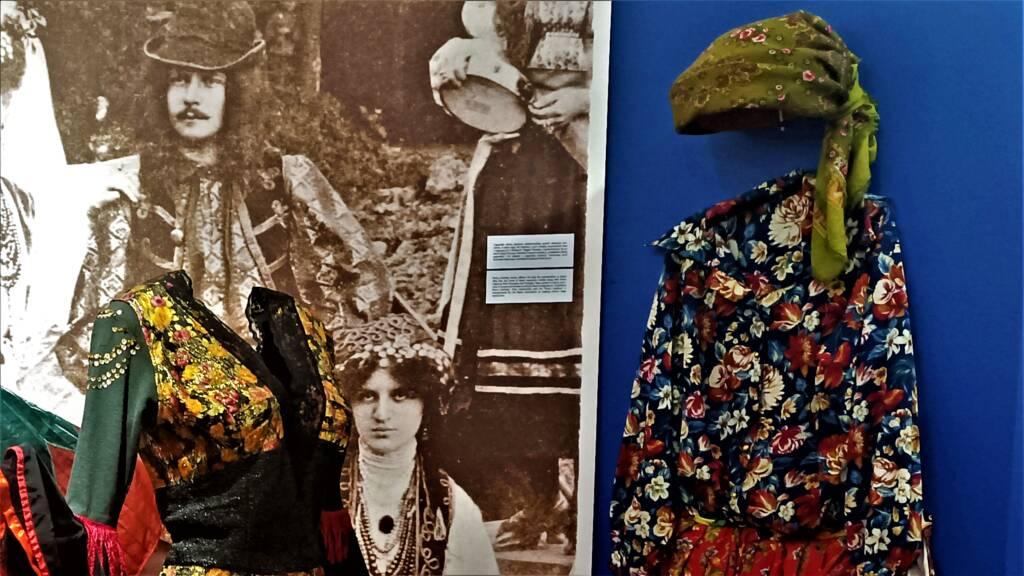 """Wystawa stała """"ROMOWIE. HISTORIA IKULTURA"""" ponownie otwarta."""